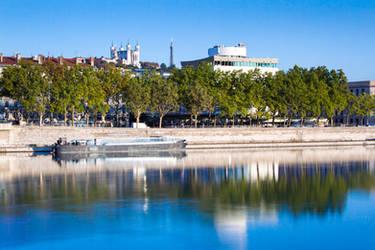 Lyon dock by Simounet
