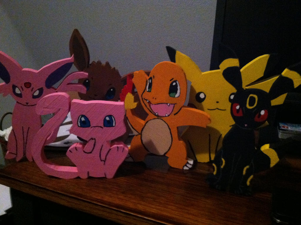 Pokemon Wooden Figures by daghostz