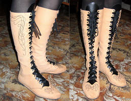 Elven boots with embroidery