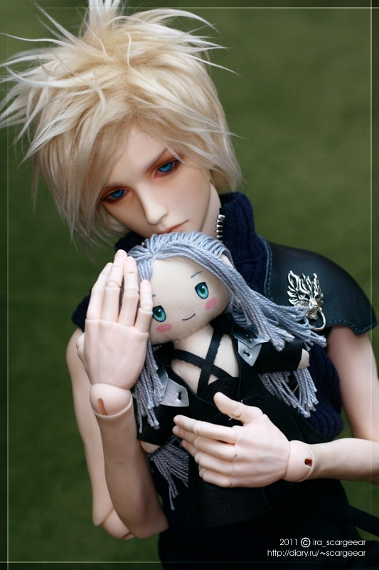 Personal Sephiroth doll by scargeear