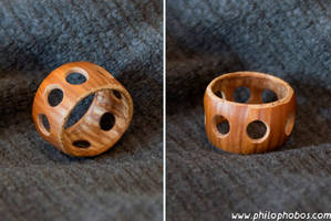 hazelnut ring II by Philophobos