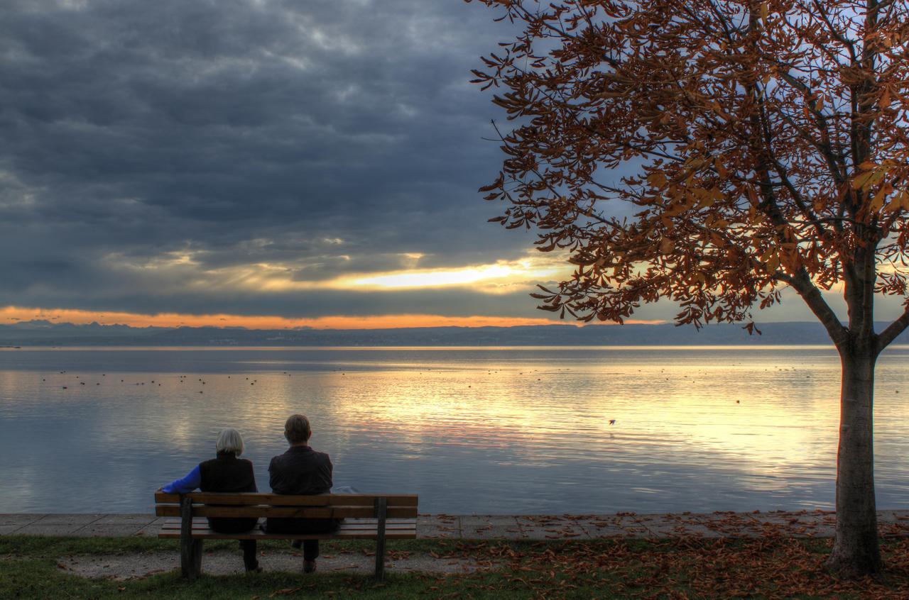 Old couple by the Ammersee by zertrin