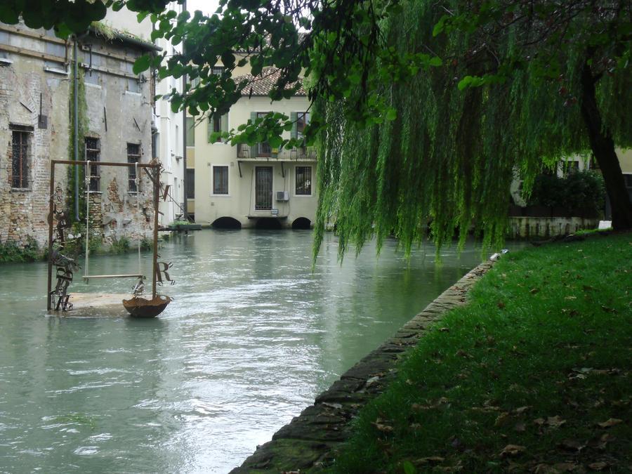 Altalena sull'acqua by Alies16