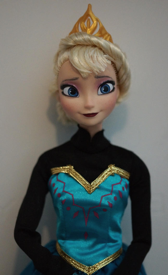 Elsa of Arendelle OOAK doll by lulemee