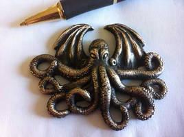 Cthulhu Pendant by DLPancake