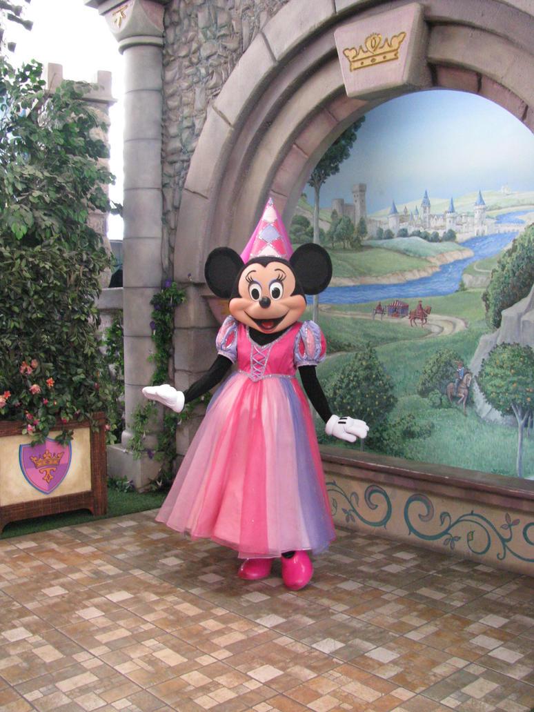 Princess minnie by disneylizzi on deviantart - Princesse minnie ...