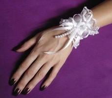 Shiro Lolita Wrist Cuff