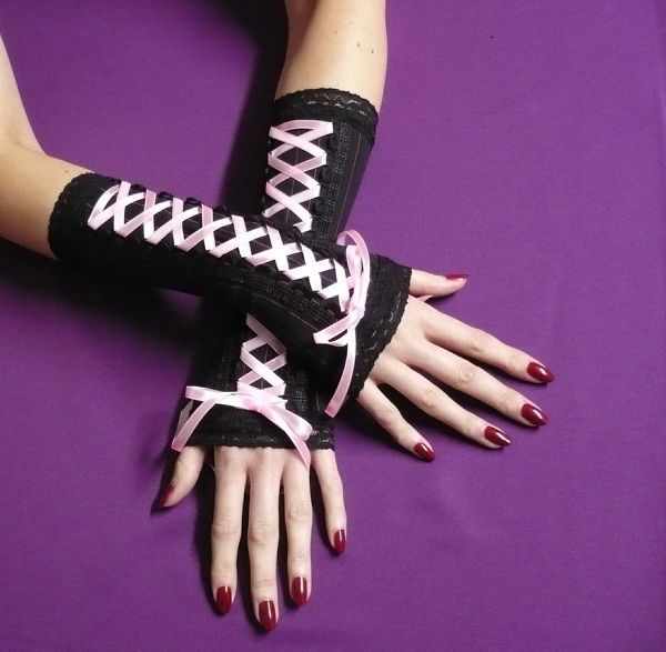 Candy Goth Arm Warmers by Estylissimo