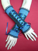 Corset gloves with stripes by Estylissimo