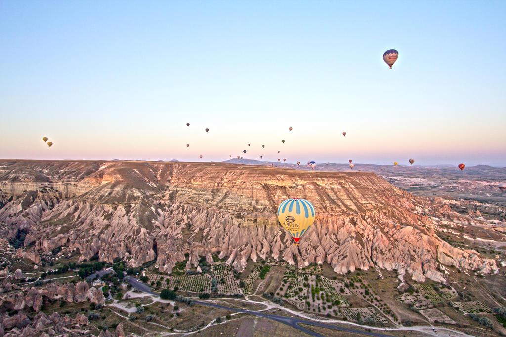 Ballon Ride in Turkey by ijahn