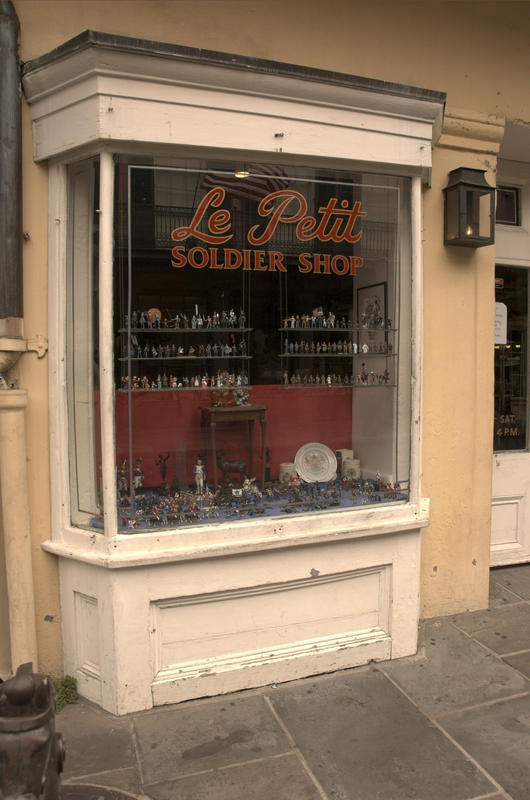 d3wd033 - Shop Window