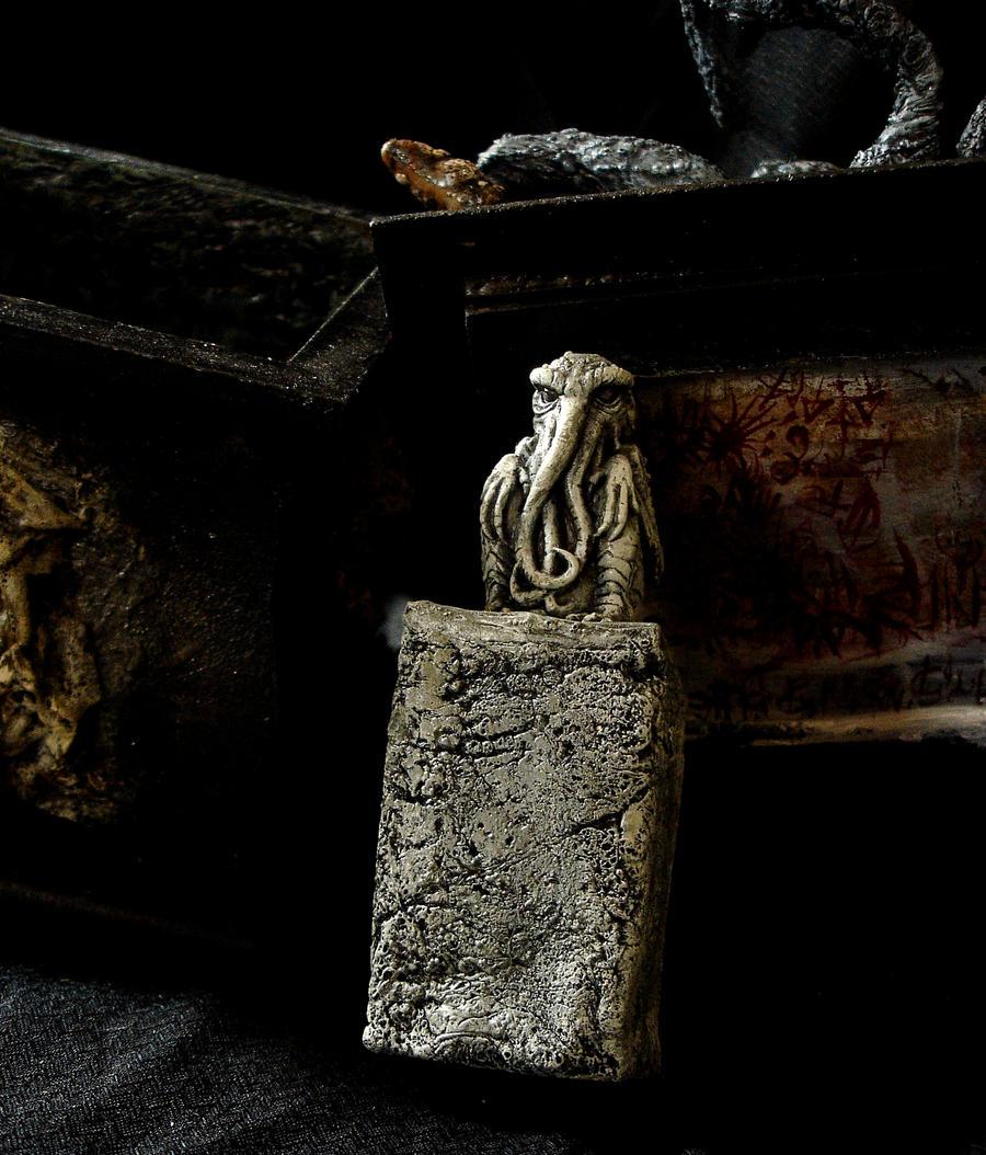 cthulhu urn 4