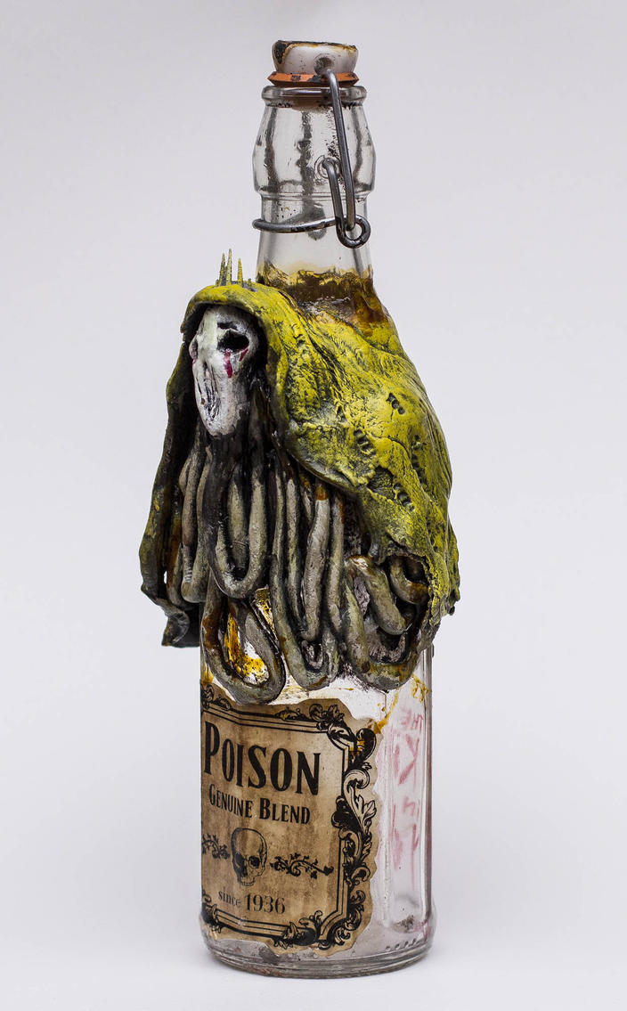 Lovecraftian Hastur Poison Bottle by FraterOrion