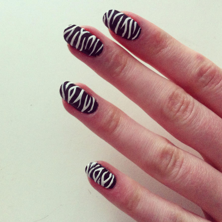 Zebra Nails by BenjiiBen