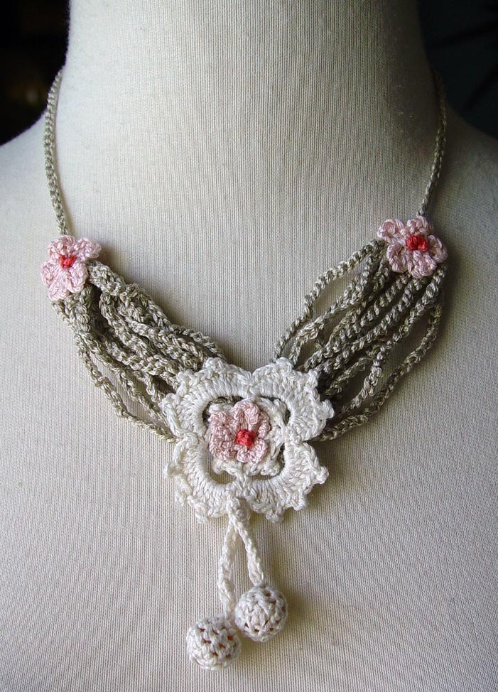 Crocheting Necklaces : Crochet Silk Boudoir Necklace by meekssandygirl on deviantART