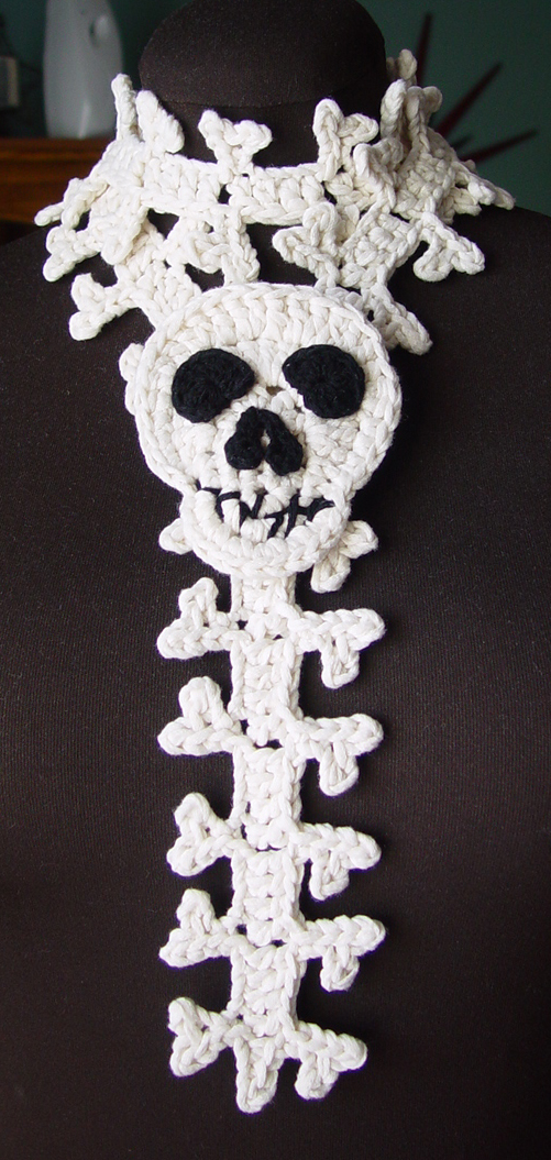 Crochet Pattern For Skull Shawl : Crochet Skull and Spine Scarf by meekssandygirl on DeviantArt