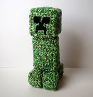Crochet Minecraft Creeper by meekssandygirl