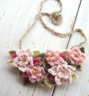 Crochet Bib Necklace in Soft Pink Flowers