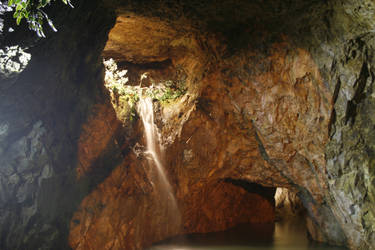 Water cave by yatora