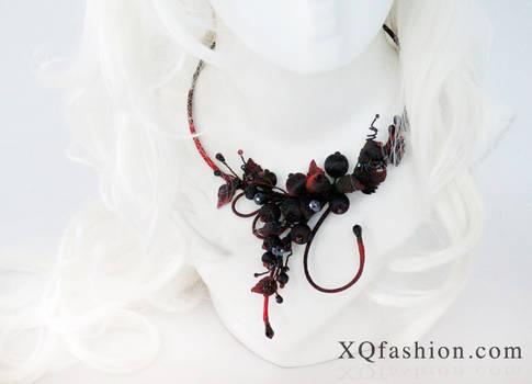 Secret Garden - Gothic Hand Embroidery Necklace