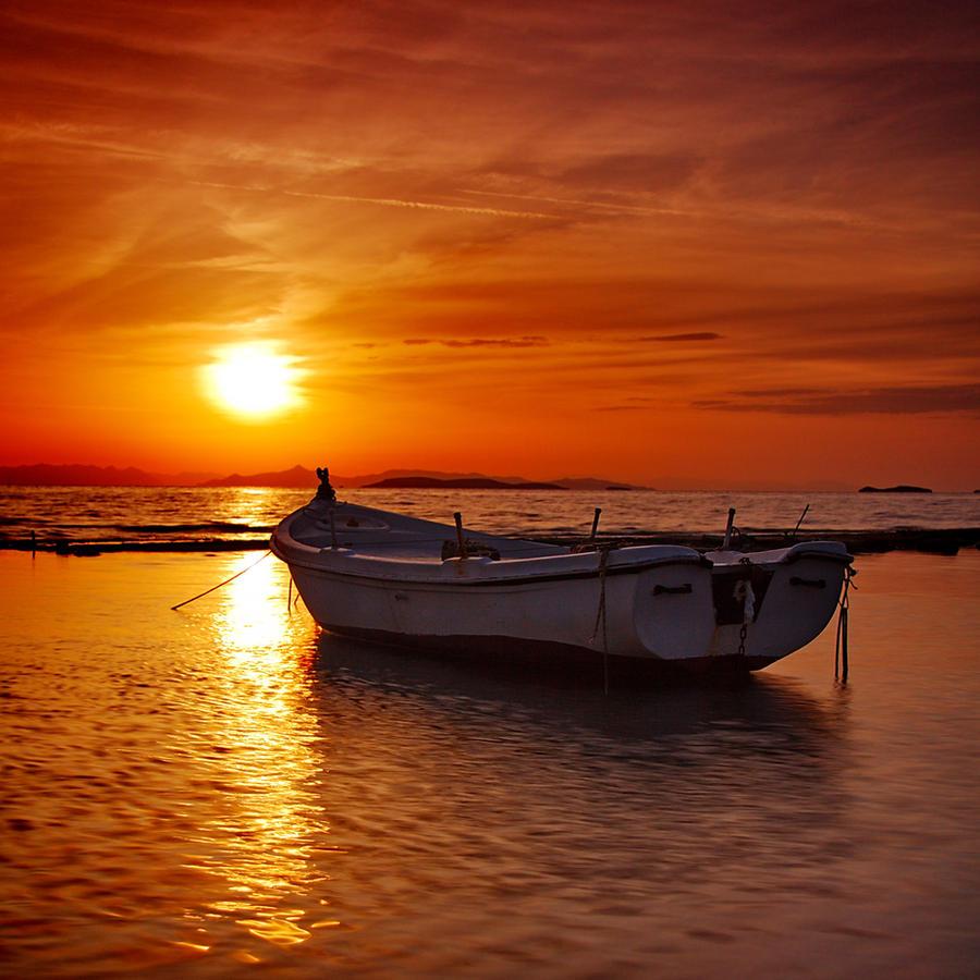 Floating sunset by Kounelli1