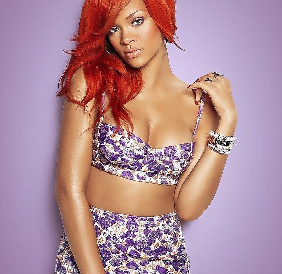 Rihanna. DISPLAY. by SuperHermanas