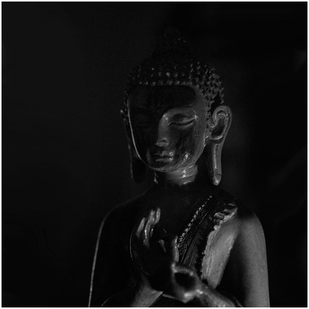 Buddha by MissUmlaut