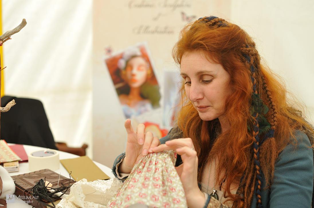 Estherelia working by MissUmlaut