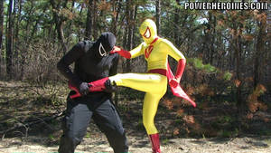 Power Heroine Golden Strike Beating Down Baddy
