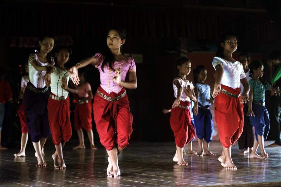 dance by burburia