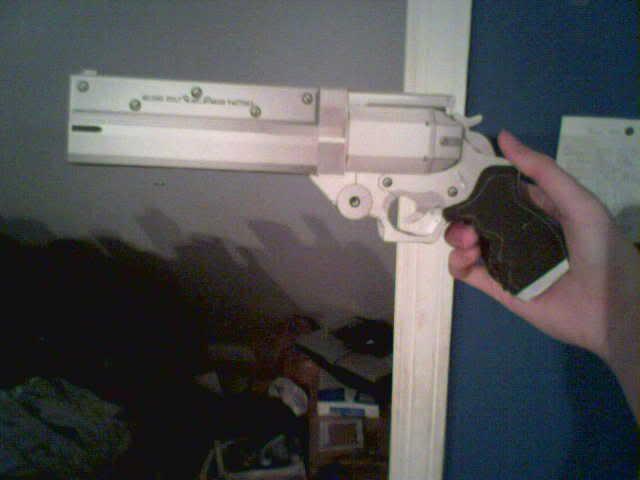 Papercraft Vash T.S Gun 1 by Viperas