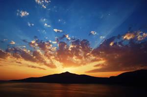 The sun beams. by Melboom
