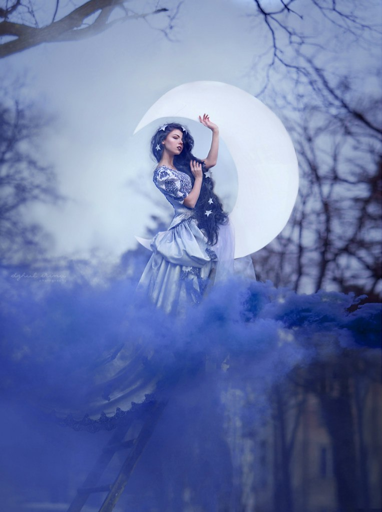 Lady Moonlight by chervona