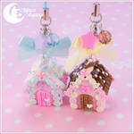 Candy house Charm (chocolate and strawberry)