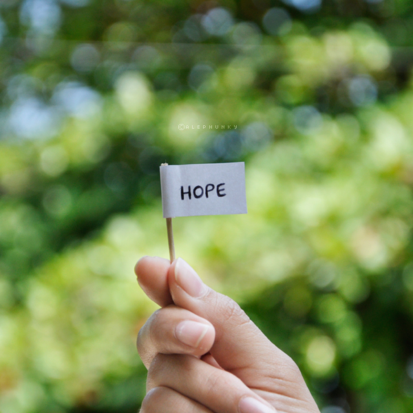 قد يختفي الأمل لكن لا يموت a_little_hope_by_ale