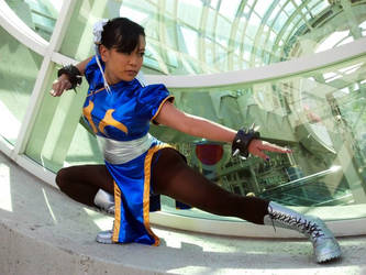 Chun Li Street Fighter Cosplay by leenisabel