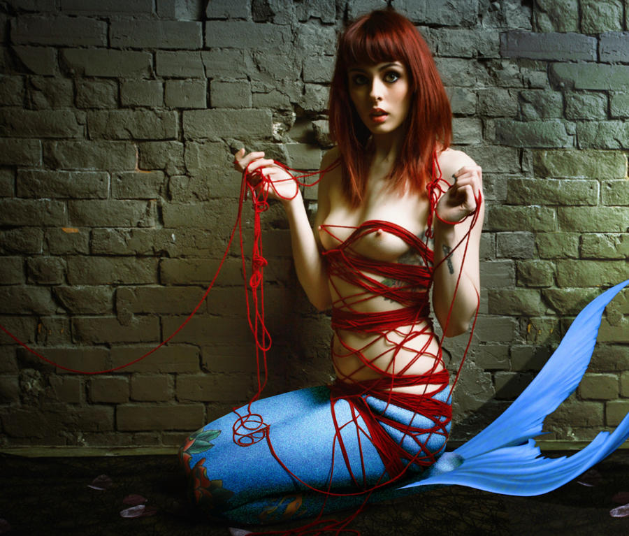 Mermaid Kyla ~ cat's cradle by sirenabonita