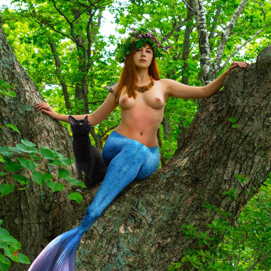 Mermaid Diana ~ sylvan goddess with Brutus by sirenabonita