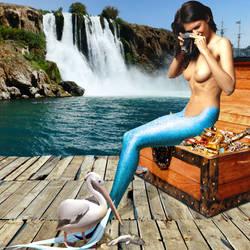 Mermaid Zoi ~ Wildlife Photographer by sirenabonita