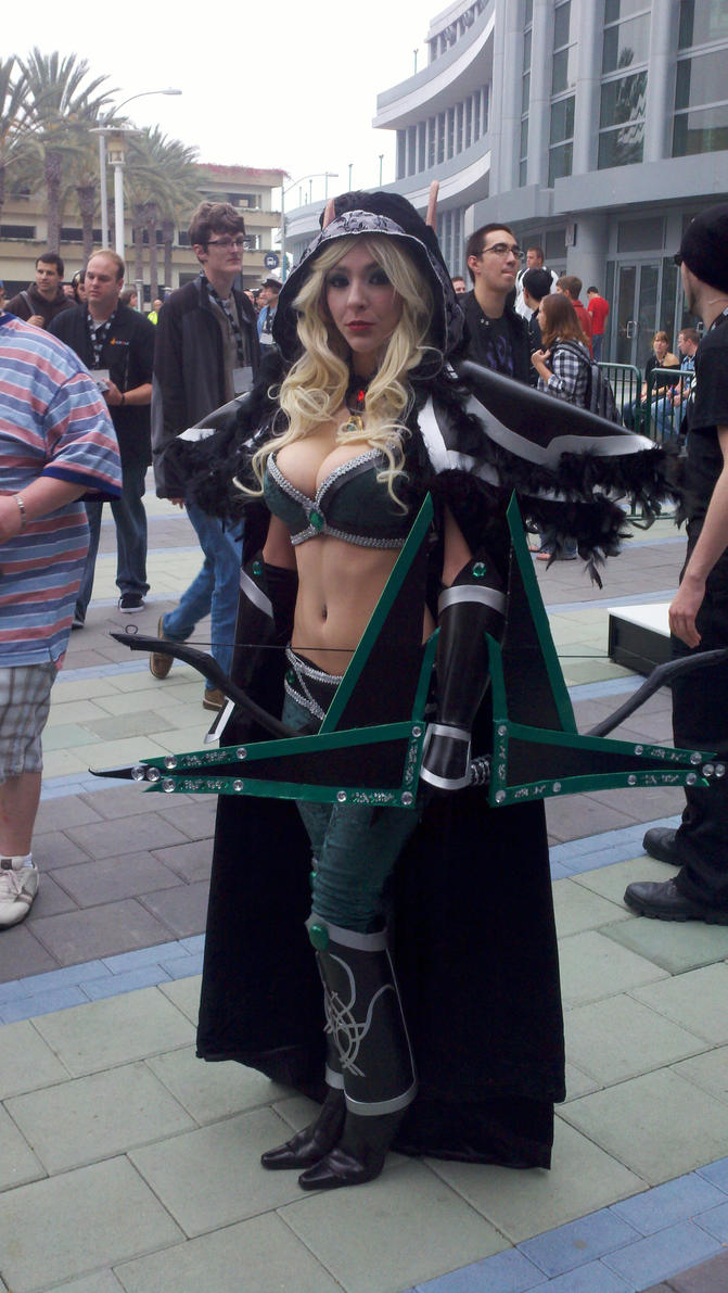 Cosplayers: Alleria Windrunner by LanceOmikron