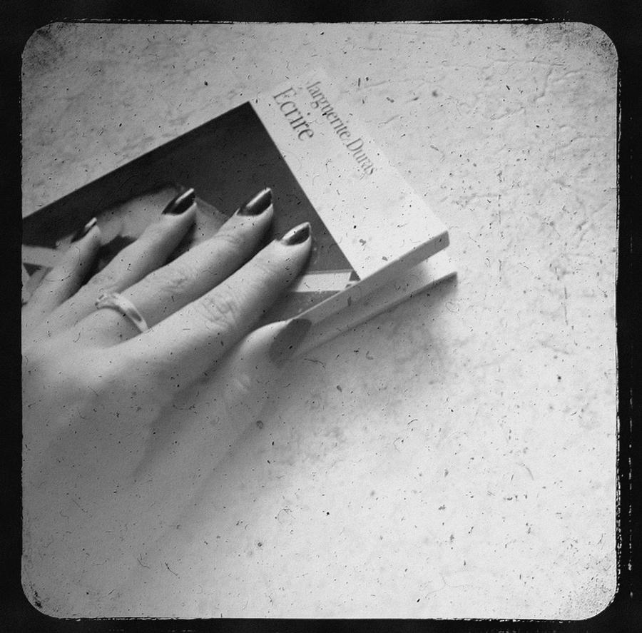 Ecrire. by Feelonia