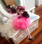 Monster high repaint Draculaura Doll