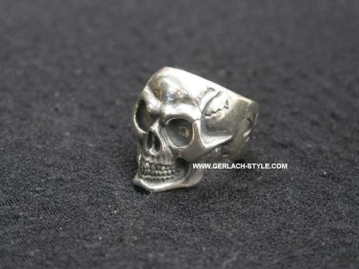Gerlach skull ring. by GerlachStyle