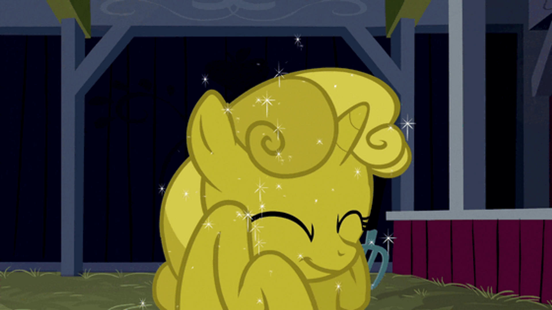 sweetie belle loves the gold look   animated  gif  by argo4017-d5n6z18    Belle Crying Gif