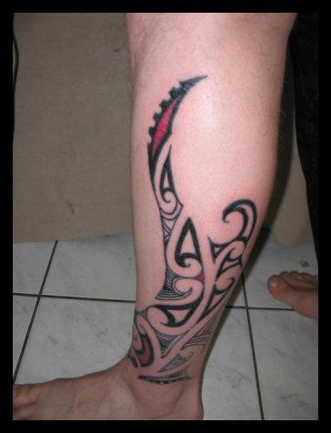 leg tattoos. Freehand Kiri Tuhi on my leg. Posted by SW at 12:50 AM