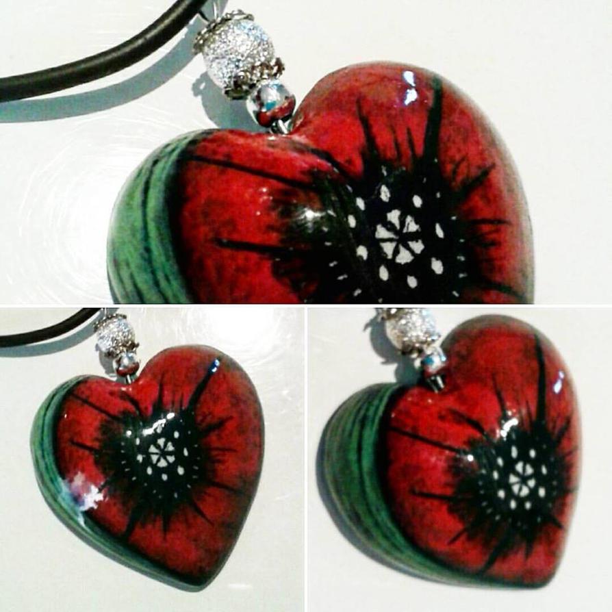 Ceramic poppy heart by angychan