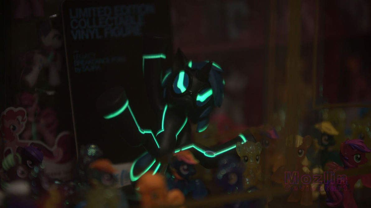 Black light DJ Pon3 glowing. by Mozlin
