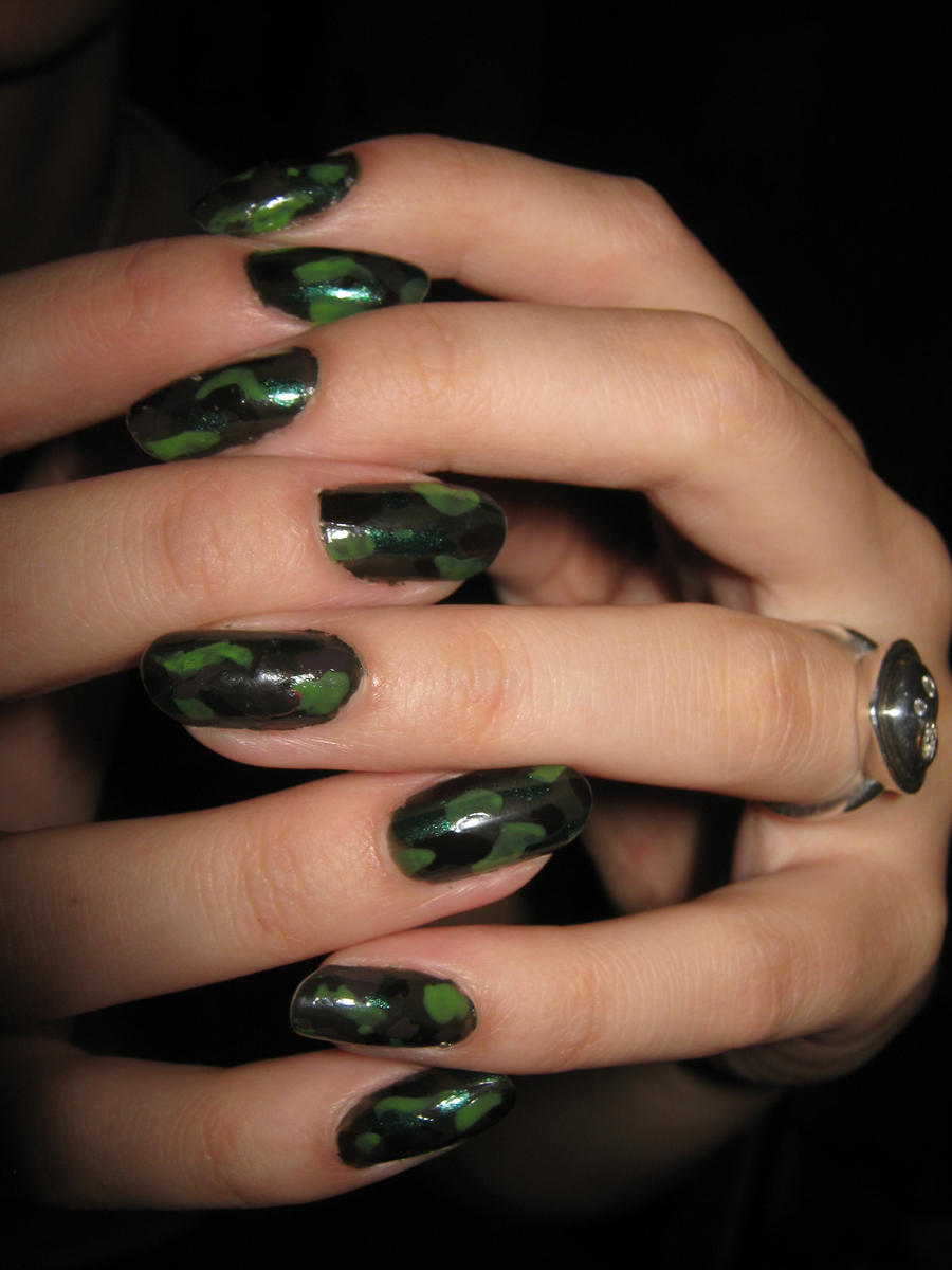 Army Nail Art Army nails by ColorPix...