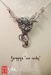 Shoggoth 'aux opales' pendant