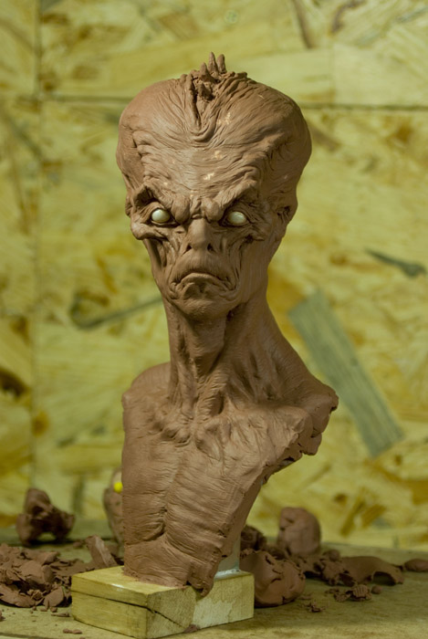 alien bust by sculptart31